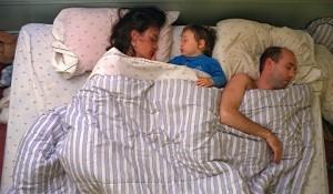 Ребенок боится спать один