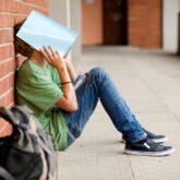 Когда подростку нужна помощь психолога